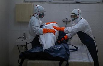 Salgından kaynaklı can kaybı sayısı 27 bin 903'e yükseldi