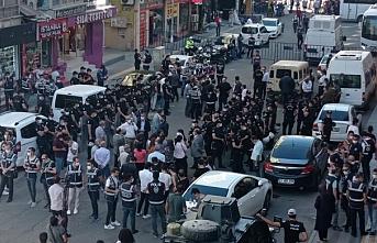 Diyarbakır'da tecride karşı yürüyüşe polis müdahale etti