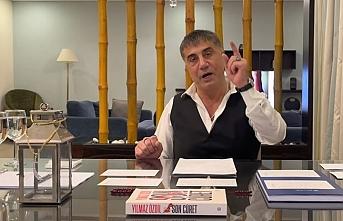 Peker AKP'li yöneticiyi işaret etti, Süleyman Soylu'ya seslendi: Namusun varsa gözaltına aldırsana