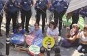 Aydın'daki kadın yürüyüşüne polis engeli