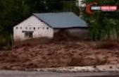 Erciş'te 3 mahalleyi sel vurdu