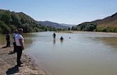 Kızılırmak'a giren baba ve 2 çocuk boğularak hayatını kaybetti