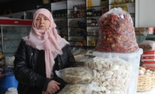 Van'da el emeği doğal gıdaları halka sunuyor