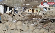 Depremin vurduğu Gelenler'de hayvanlar soğuktan ölüyor