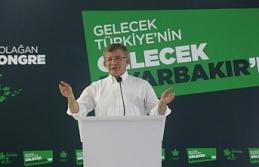 Davutoğlu Diyarbakır'da konuştu: Kürt sorunu eşit vatandaşlıkla çözülebilir