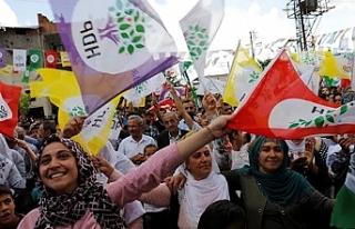 HDP kayyımlara karşı 'yeni yol' arayışında:...