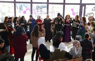 Özalp'ta Çilkezî Kadın Kültür Evi açıldı