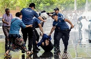 HDP'li 15 bin kişi gözaltına alındı, 6 bin...