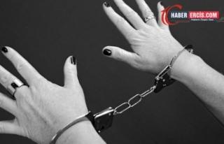 31 yıl bir dairede tutsak edilip, tecavüze uğradı