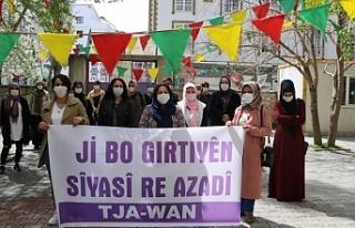 Van'da Tutuklu yakınları: Anneler Günü'nde...