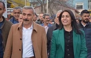 HDP, Doğubeyazıt belediyesi eşbaşkanlarını disipline...