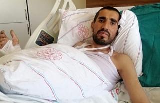Van'da yaralı kurtulan Yılmaz: Erhan'ı gözümün...