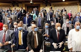 Mısır Parlamentosu, Libya'ya asker göndermeyi...