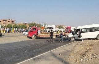 Diyarbakır'da tekstil işçileri kaza yaptı:...