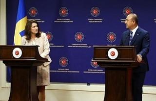 İsveç Dışişleri Bakanı Linde ile Çavuşoğlu...