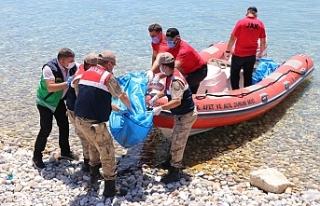 'Ege'den Van'a kıyıya vuran mülteci bedenlerinin...