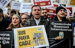 Medya İzleme Raporu: En az 83 gazeteci cezaevinde...