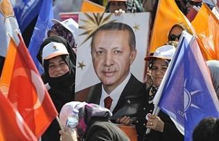 """""""Yardım için kimlikleri toplanan aileler AKP üyesi..."""