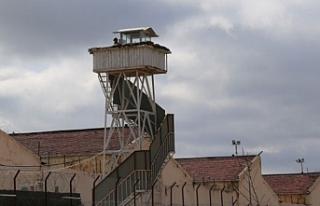 100 cezaevinde 2 bin 500 tutuklu açlık grevine girdi