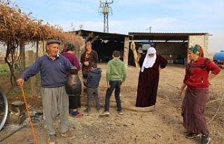 30 gündür elektriksiz olan köylüler çözüm bekliyor
