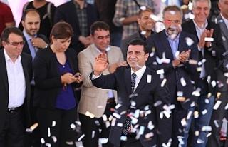 Demirtaş'ın avukatları AİHM kararının uygulanması...