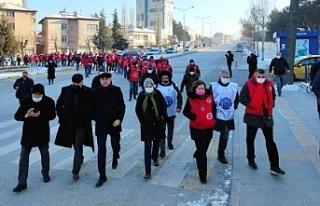 Metal işçileri engellemelere rağmen Ankara'da