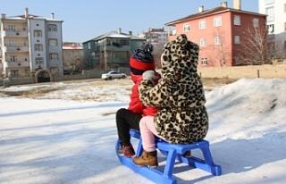 Van'da Sokaklar çocuklara kaldı