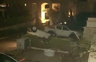 İzmir'de sağnak yağış ve hortum: 16 yaralı