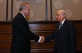 Kazan: AKP yeni anayasa değil, sultanlık rejimi...