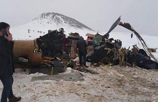 Bitlis'te helikopter düştü: 11 asker yaşamını...