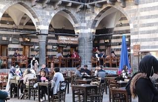 Diyarbakır esnafı: 'Normalleşme' bir yıllık...