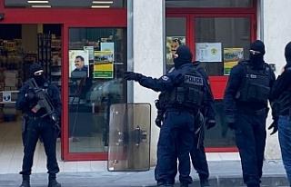 Fransa'da gözaltına alınan 13 Kürt'ten...