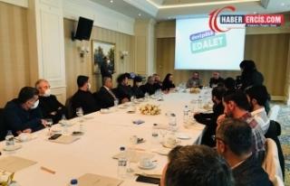 Van'da HDP, Kürtçe çalışma yürüten yazarlarla...