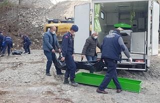 Makineye sıkışan 2 işçi yaşamını yitirdi