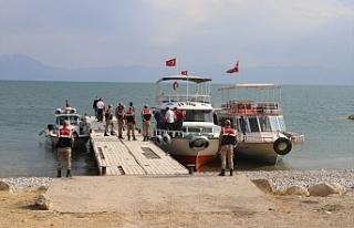 Van'da 61 kişinin öldüğü tekne faciası...