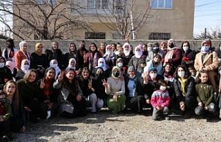 Vanlı kadınlar 8 Mart'a hazır: Sesimiz gökyüzüne...