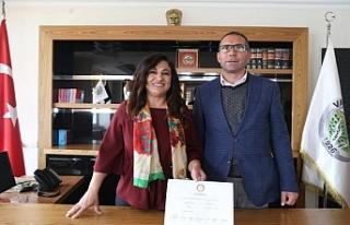 Varto Belediye Eşbaşkanı Karaaslan'a 2 yıl 3...