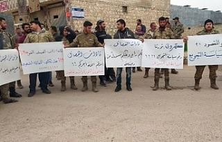 Suriye'de SMO, 'maaşları ödemeyen'...