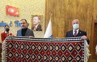 Van'da AKP'li başkan düğün altınlarını...