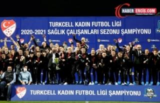 Beşiktaş kadın futbol takımı şampiyon oldu