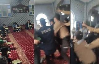 Camide 'İtikaf' yapanlara gazlı polis baskını:...
