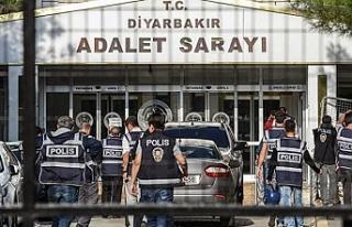 Diyarbakır'da 9 kişiye tutuklama