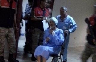 Kelepçeli hastaneye getirilen Özkan geri cezaevine...