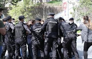 Taksim'e çıkmak isteyen 220 kişi gözaltına...
