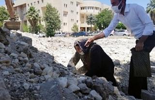 Emine Şenyaşar adliye binasının temelini elleriyle...
