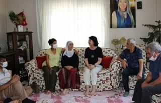 Deniz Poyraz'ın ailesine bayram ziyareti
