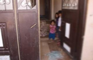 Ev baskınında hamile kadın silah dipçiğiyle darp...