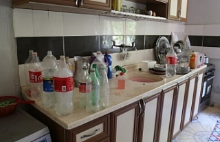 İpekyolu'nda 70 gündür suları kesik olan...