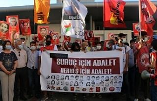 İzmir'de Suruç anması: Her yerdeyiz direniyoruz