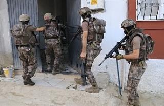 Nusaybin'de ev baskınları: 11 gözaltı